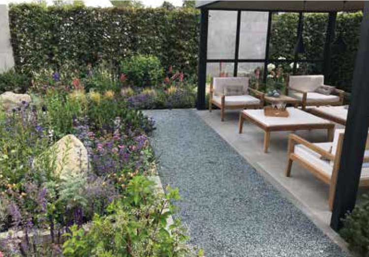 Using Gravel, Slate and Decorative Aggregates in the Garden - AVS Gardening & Landscaping Supplies