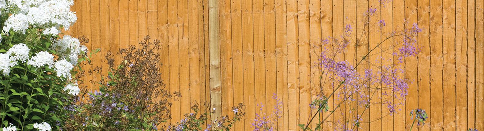 A Guide to Closeboard Fencing - AVS